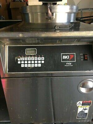 Bki - Fkm-fc Hd Digital 208v 3 Phase Electric Pressure Fryer Wfiltration