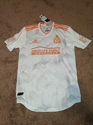 NEW Adizero Atlanta United FC Mens Size Medium White Short Sleeve Soccer Jersey image