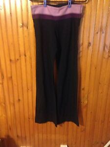 Ladies Lululemon Yoga pants