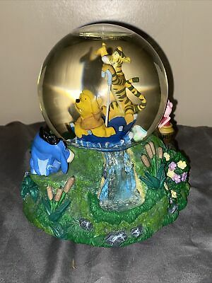 Disney Winnie the Pooh & Tigger Umbrella Musical Snow Globe Eeyore Piglet