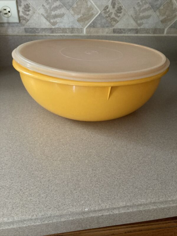 Vintage Tupperware Fix N Mix 28 Cup Large Yellow Gold Bowl #274-12 W/ Lid
