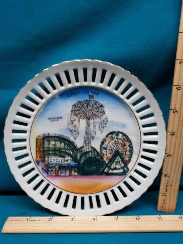 """Vintage 7"""" Coney Island Amusement Park Souvenir Plate Enco. NYC Hand Painted"""