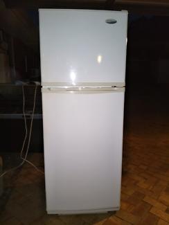 Westinghouse(392L)fridge/freezer,works perfect