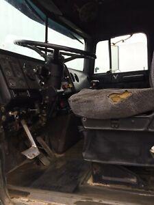 1989 Internatinal Gravel truck