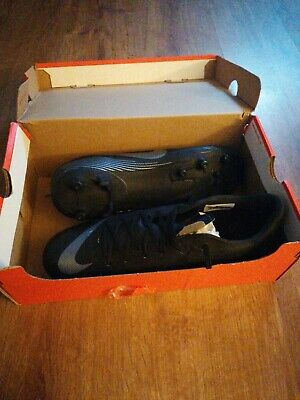 Mens nike football boots size 9