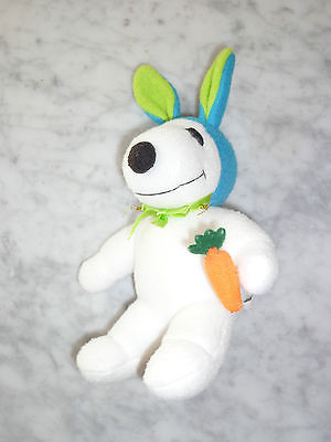 SNOOPY PLUSH WHITE EASTER BUNNY STUFFED DOLL WITH GREEN EARS HOLDING CARROT