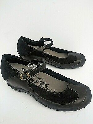 Merrell Leather Mary Janes - Merrell shoes Comfort Plaza Mary Janes Upper leather loafers Womens Size 6.5