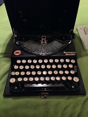 ANTIQUE OCT 1920'S REMINGTON PORTABLE TYPEWRITER WITH CASE IN WORKING CONDITION