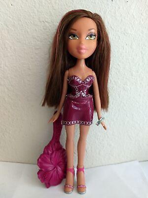 Bratz Fashion Clothes - Girlz Girl Bratz Fashion Designer Yasmin Doll Green Eyes Original Clothes