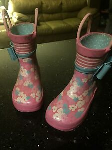 VGUC - Size: 6 Toddler Rubber boots