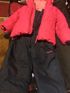 Snow coat and pants size 4 Windsor Region Ontario image 2