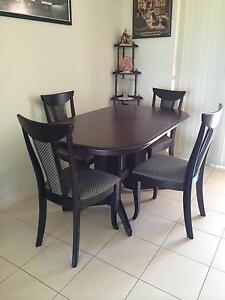 Dining Table and chairs Frederickton Kempsey Area Preview