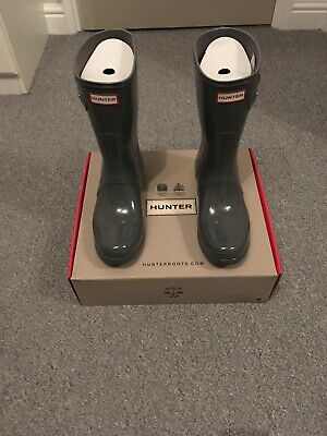 Womens Hunter Gloss Short Wellington Boots. Feather Grey . Size UK 9