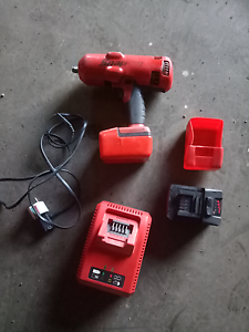 Snap-on 18v impact wrench.  Snap on battery rattle gun Killarney Vale Wyong Area Preview
