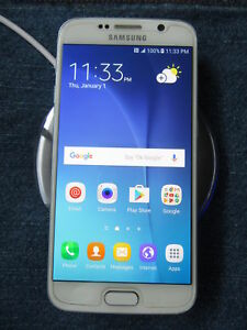 UNLOCKED Super Mint Samsung S6 - 32 GB With Wireless charger