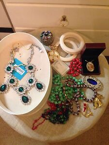 Large Lot of Jewellery New & Vintage St Clair Penrith Area Preview