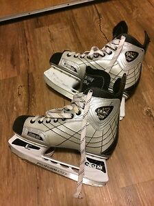 CCM Men's Ice Skates