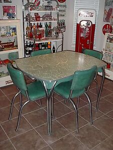 Vintage 1950 039 S Dinette Table Dining Set RARE Green Color Four Chairs Nice