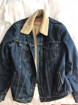 LEVI'S SHERPA DENIM JACKET - SIZE L - FUR LINED - *Very Good Condition'