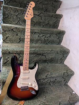 Fender American Elite Stratocaster Sunburst Alder Body Maple Neck