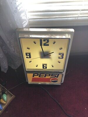 Vintage Pepsi Cola Light Up Clock 1990s In Good Condition Working