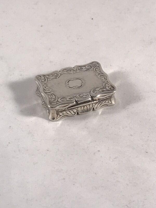Victorian Solid Silver Hallmarked Vinaigrette Edward Smith 1845