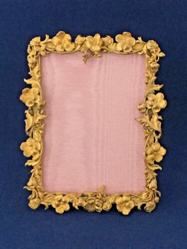 ANTIQUE BRONZE  PICTURE FRAME WITH AMAZING BORDER