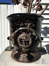 Black vase wanted with precisely same design as photo Woollahra Eastern Suburbs Preview