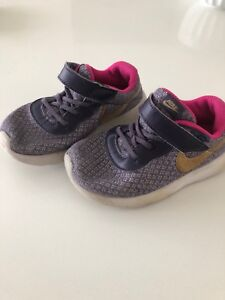 Size 9 Nike Toddler Sneakers