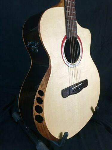 Merida Pallas Solid Spruce Acoustic/Electric Guitar Guitar