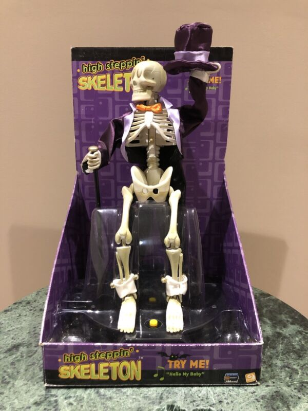 2005 GEMMY HIGH STEPPIN SKELETON SINGS HELLO MY BABY