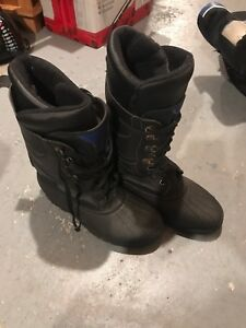 Size 11 boots $30