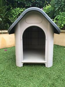 Small Kennel for sale Glenelg South Holdfast Bay Preview