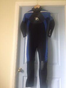 Boys size 14 wetsuit 2ml Smithtown Kempsey Area Preview