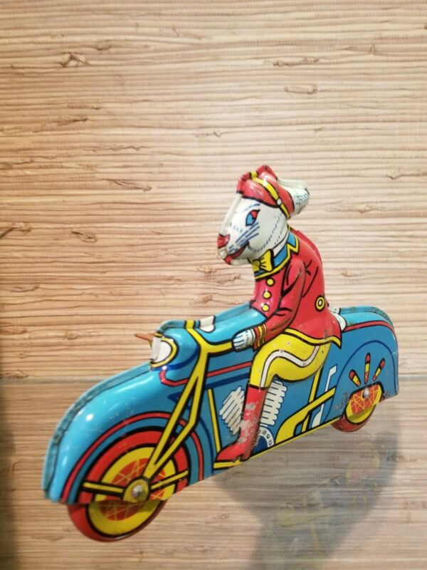 VINTAGE 1950s WYANDOTTE TOY EASTER BUNNY MOTORCYCLE TIN LITHO TOY SIDECAR BASKET