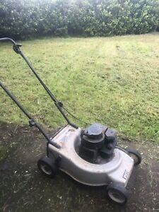 Lawn Mower Victa Pacer 4 Stroke power plus Winston Hills Parramatta Area Preview