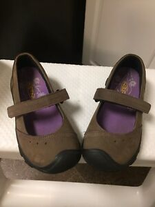Girls keen brown shoes size 13