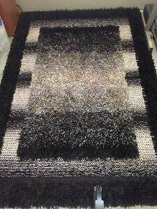5x7 modern rug for sale
