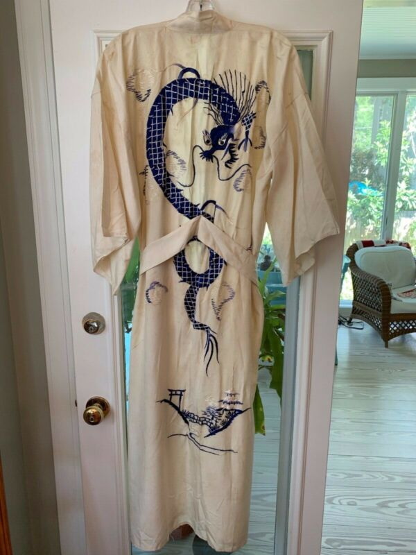 Vtg Chinese Embroidered Dragons Robe purchased 1930 in pre-Mao China Sz M