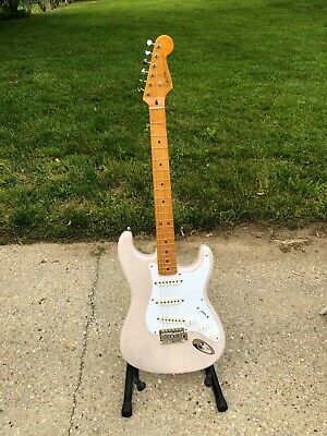Squier Classic Vibe 50's Stratocaster 2019 Vintage White w/ Gig Bag