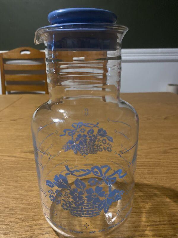 Vintage PYREX 2qt Glass Juice Carafe Pitcher Cornflower Blue #7520 With Lid