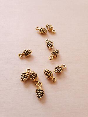 10 x Kleine Tannenzapfen Anhänger * Schmuckbasteln Deko Charms in Antik Gold