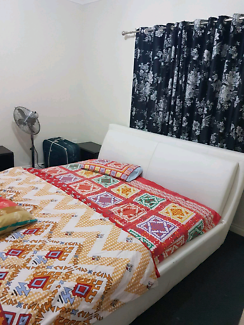 master room for rent in fawkner