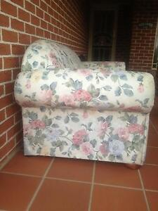 Floral Sofa Bed Lounge 2 Seater Quakers Hill Blacktown Area Preview