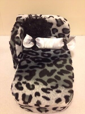 Leopard Chaise Lounge - SNOW LEOPARD  FUR CHAISE LOUNGE FOR BARBIE, MONSTER HIGH OR BRATZ DOLLS