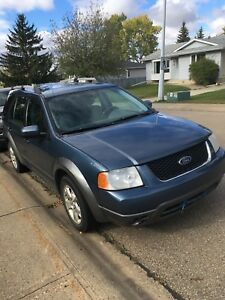 2005 Ford Freestyle  automatic 265,000 km