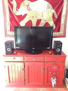 LG 80cm TV plus SAMSUNG DVD/CD/iPod Player with Speakers Nerang Gold Coast West Preview