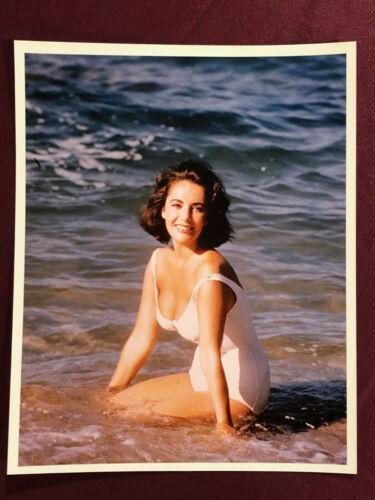 ELIZABETH TAYLOR ORIGINAL CELEBRITY COLOR PHOTO STILL BATHING SUIT BEACH