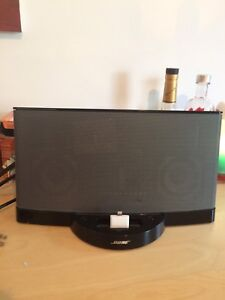 Bose speaker with Iphone adapter