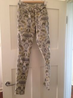Nobody Cult Skinny Skull pattern Jeans size 25 like new  Mount Hawthorn Vincent Area Preview